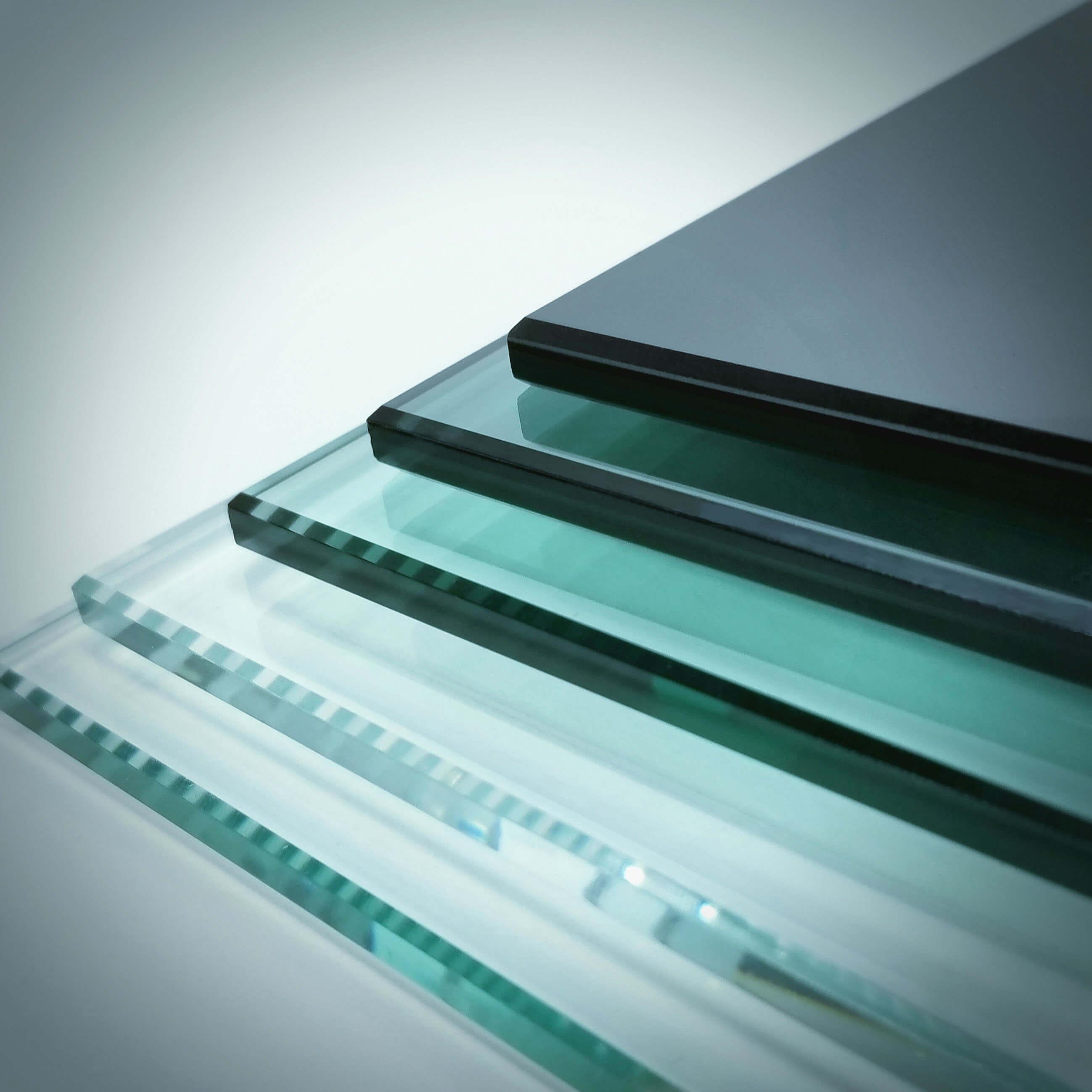 Staklo u boji Colored Glass Farbiges Glas